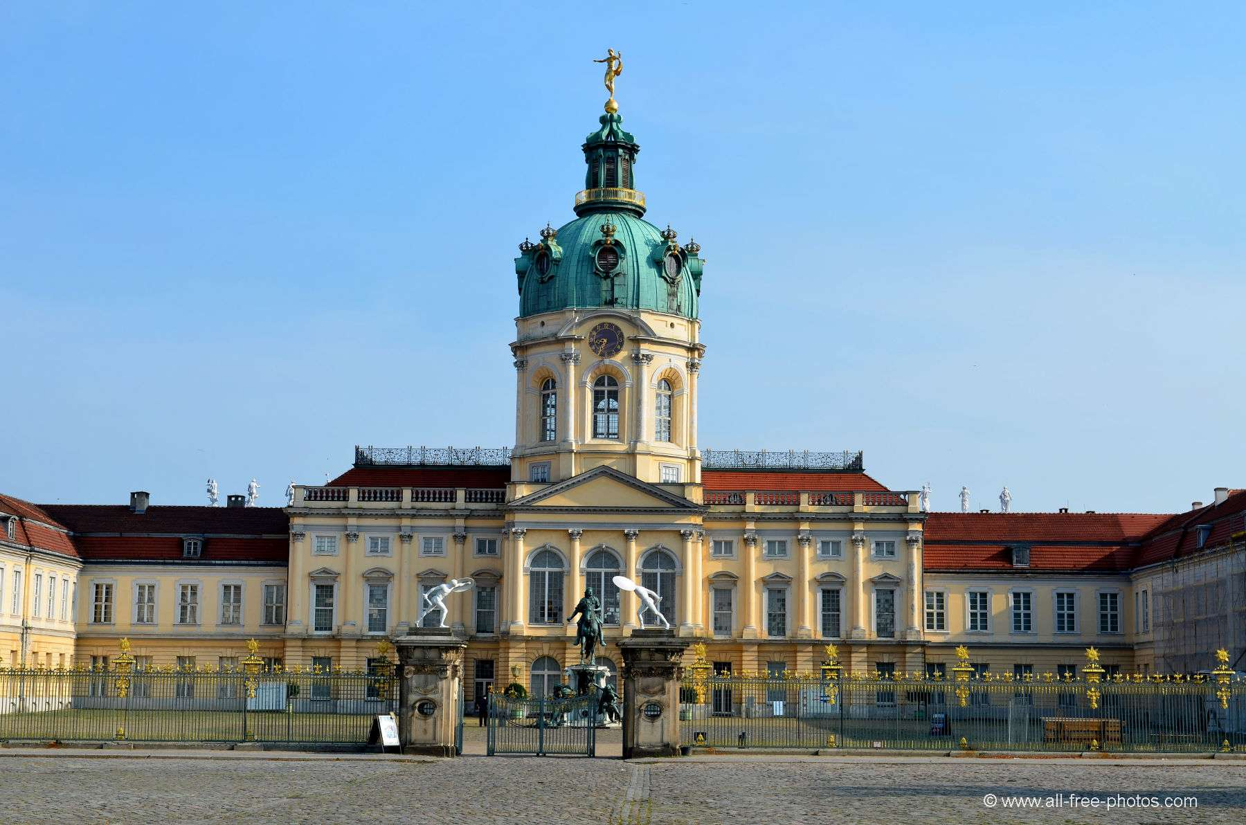 Home Galleries Castles and palaces Castles in Germany Charlottenburg ...: www.all-free-photos.com/show/showphoto.php?idph=PI89145&lang=fr?em...