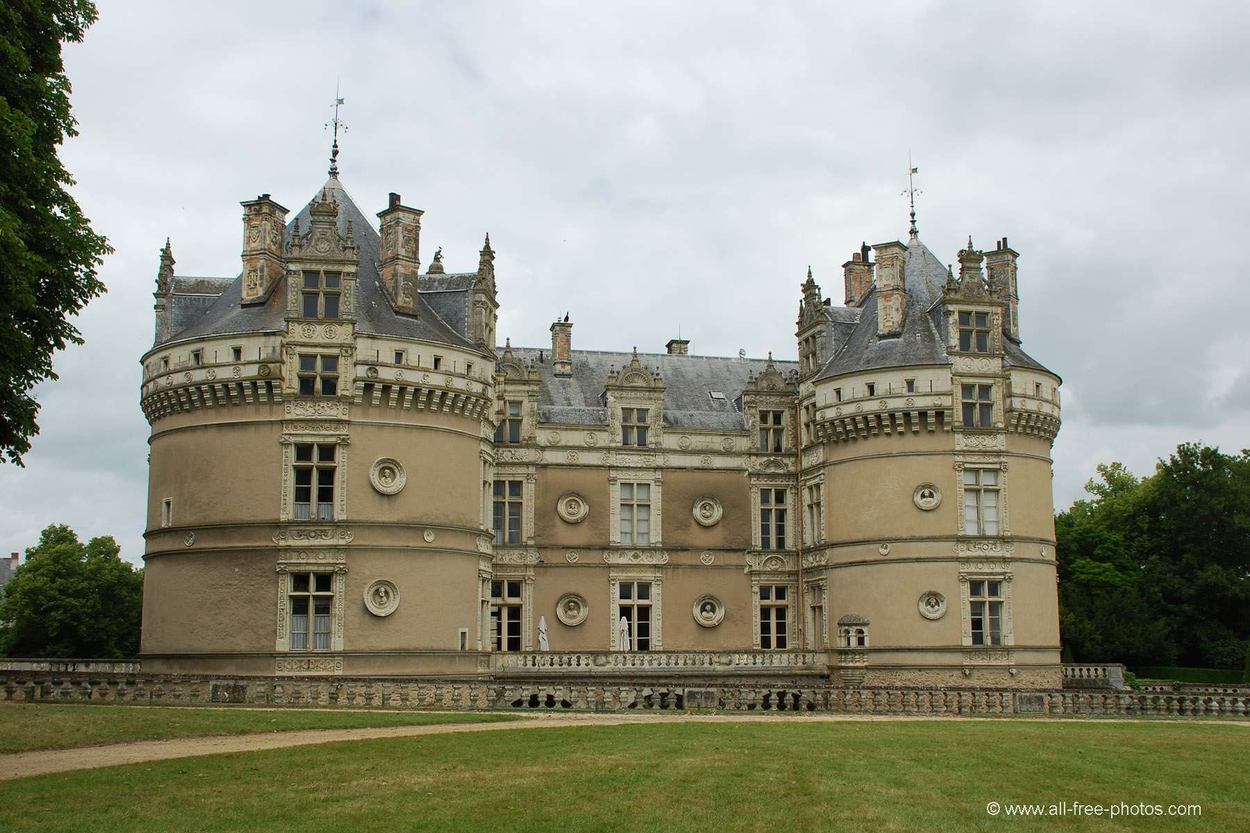 Home Galleries Castles and palaces Castles of the Loire valley Castle ...: all-free-photos.com/show/showphoto.php?idph=pi18991&lang=en