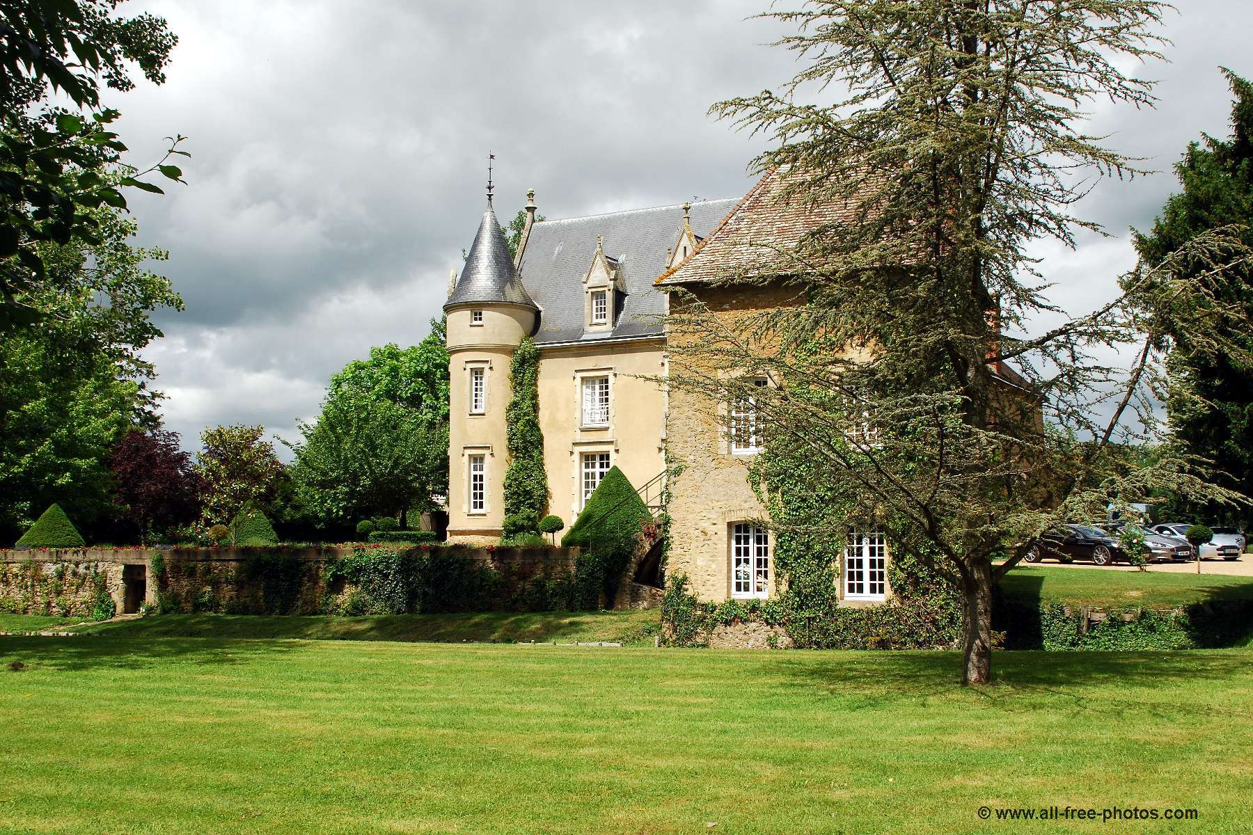 Castle of Launay - Lombron