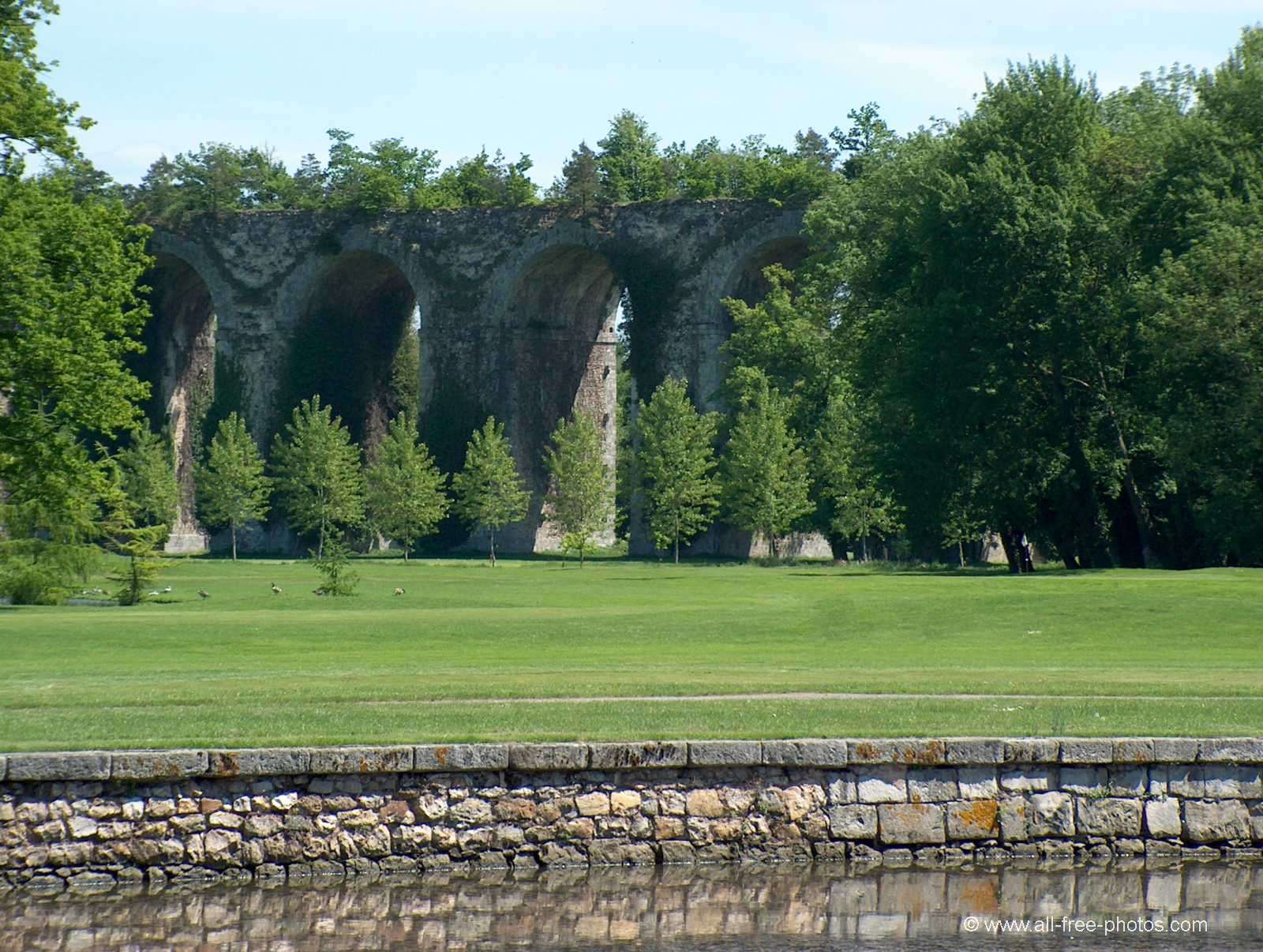L'aqueduc de Maintenon - France