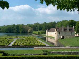 Ninon's manor, gardens on the water - Villarceaux domain - France