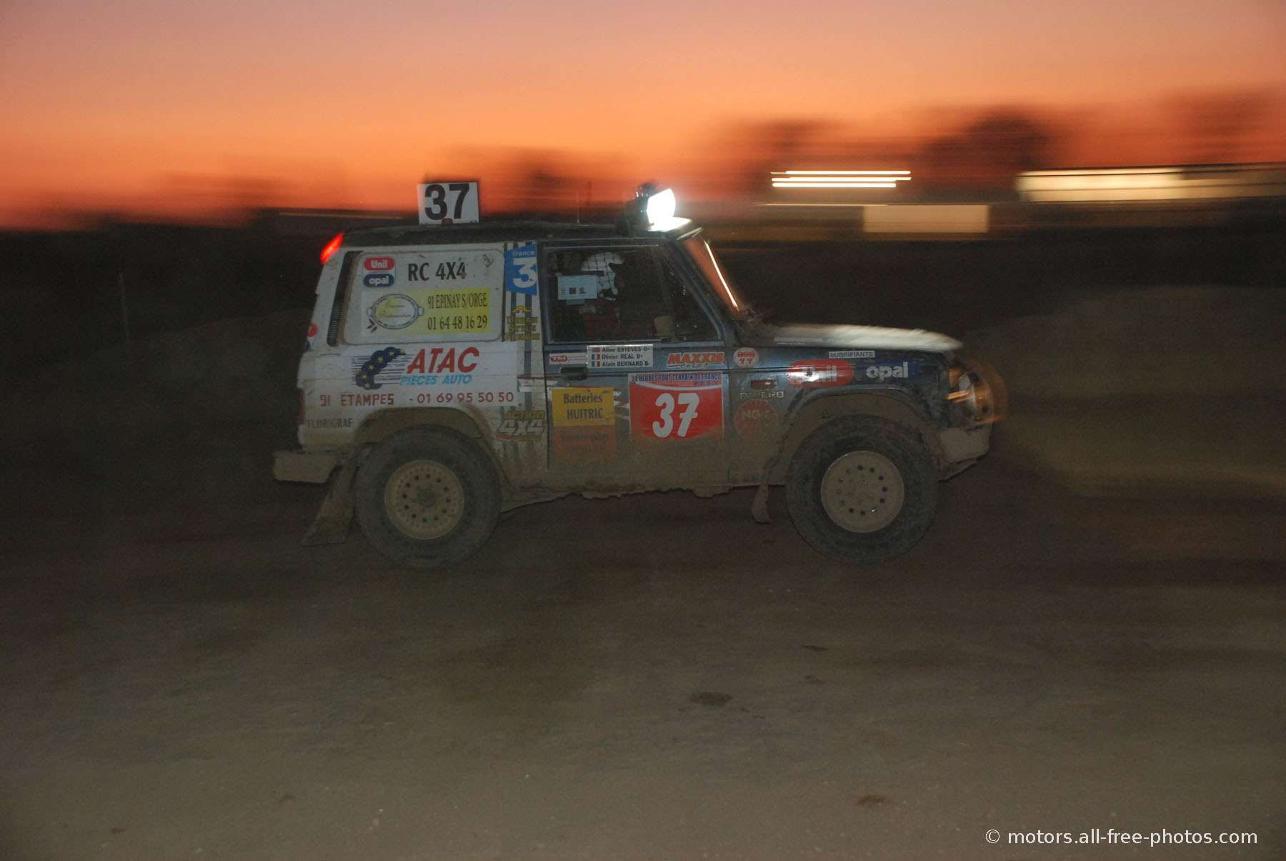 Mitsubishi - Team Real 4x4