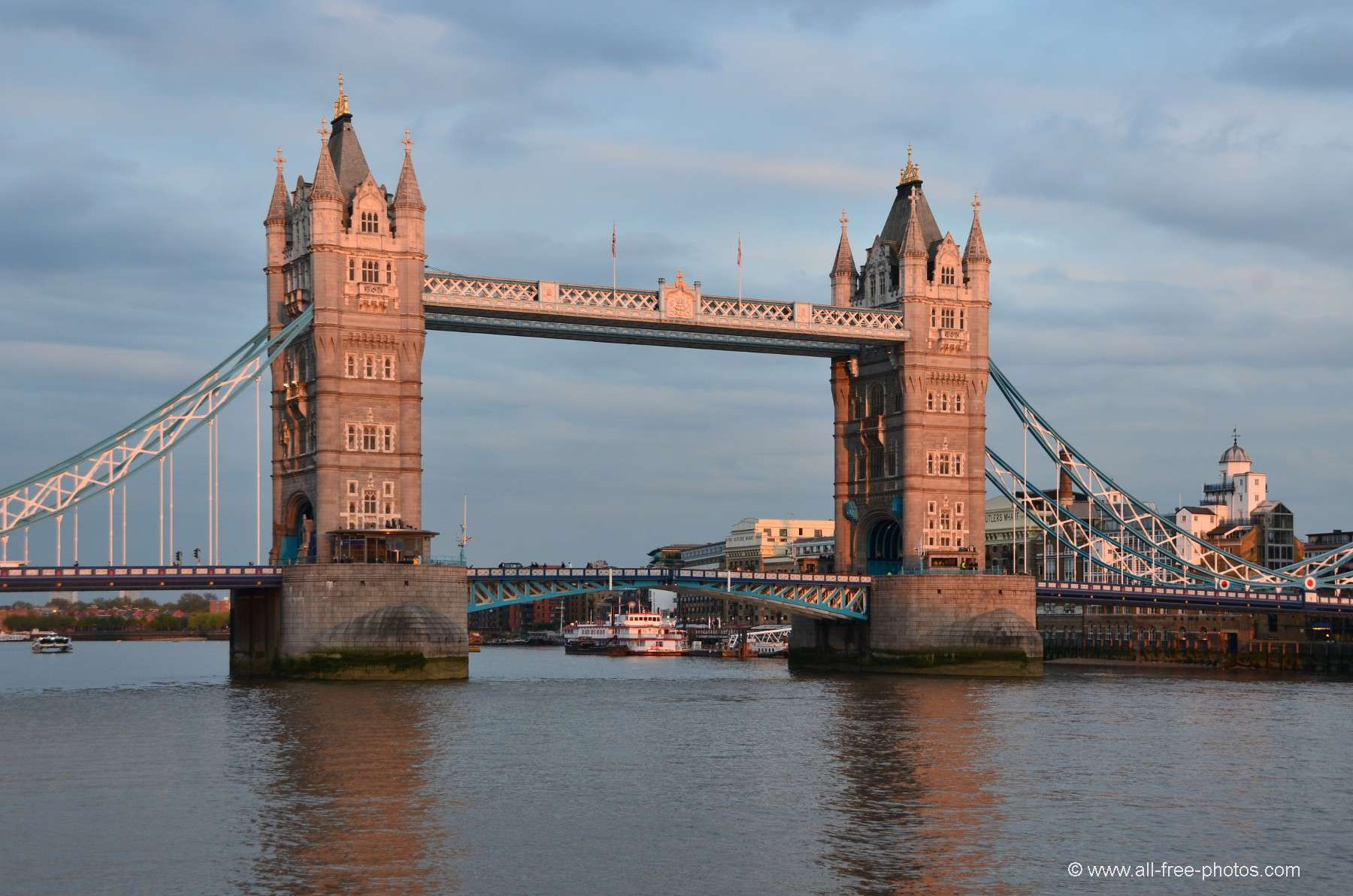 London United Kingdom  city photos gallery : Photo: Tower bridge London United Kingdom