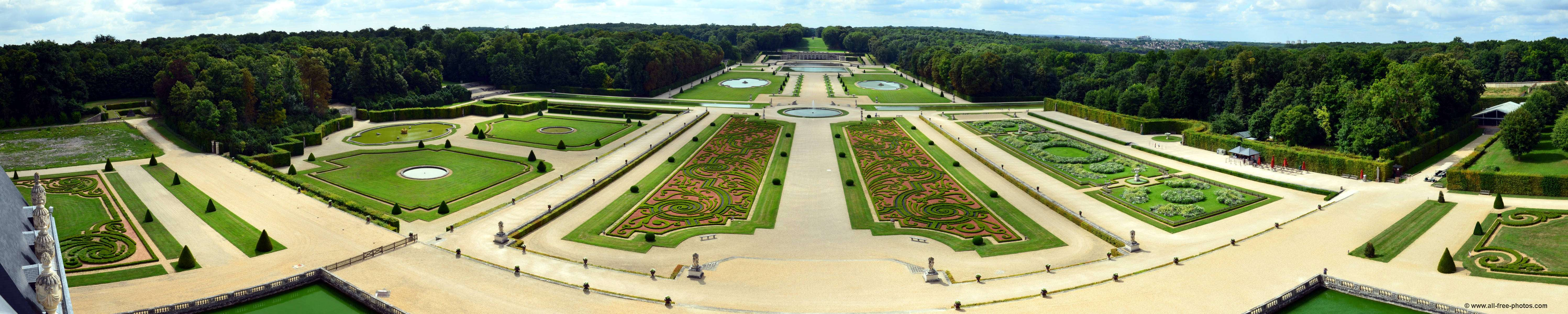 French style gardens - Chateau of Vaux-le-Vicomte - France