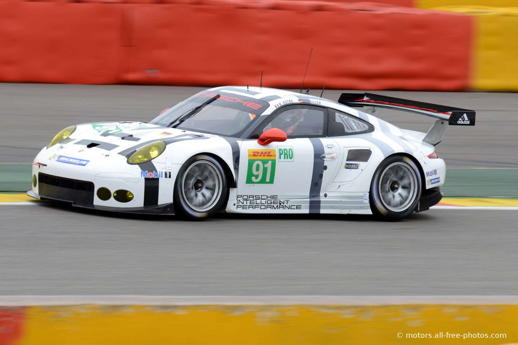 Porsche 911 RSR - Team Porsche Manthey